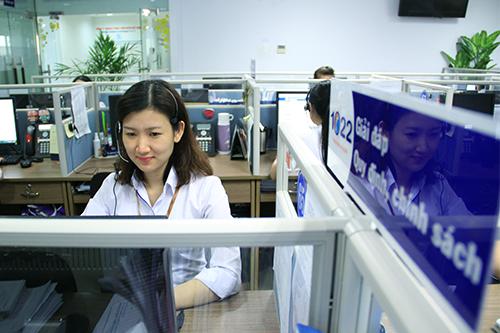 Việc mở ra kênh tương tác tiện lợi sẽ giúp giảm bớt phần việc của nhân viên tổng đài. Ảnh: Nguyễn Đông.