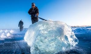 Đường ống nước đóng băng ở vùng đất lạnh nhất thế giới