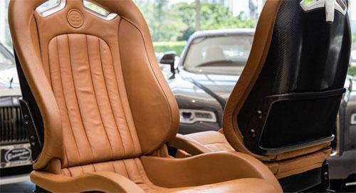 Siêu xe Bugatti Veyron chỉ có 2 ghế.