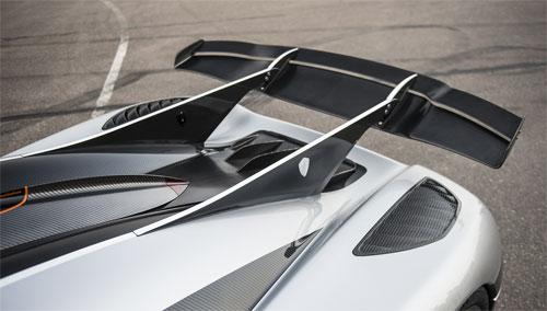 Cánh gió sau - một trong những đặc điểm của thiết kếkhí động học chủ động trên xe hơi ngày nay.