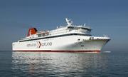 Trung Quốc bàn giao tàu chở khách có cầu dẫn nhanh nhất thế giới