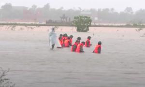 Tìm thấy thi thể nạn nhân bị nước cuốn trôi do mưa lũ tại Quảng Trị