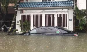 Đà Nẵng ngập nặng sau cơn mưa kéo dài đêm qua