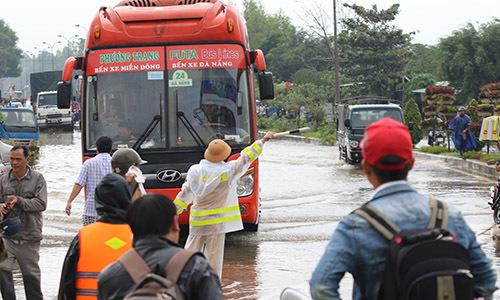 Quốc lộ 1A qua Quảng Nam tê liệt
