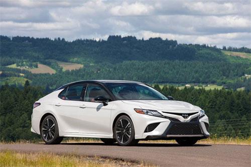 Toyota Camry là quán quân của những mẫu xe bền bỉ nhất sau 321.000 km.