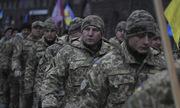 Ukraine có thể thiệt hại hàng tỷ USD vì lệnh thiết quân luật
