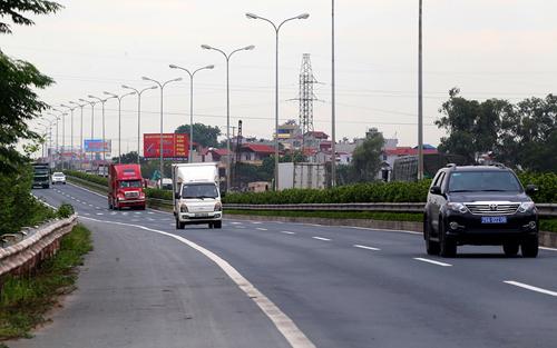 Cao tốc Pháp Vân - Cầu Giẽ có 4 làn xe thường bịùn tắc giao thông ngày lễ tết. Ảnh: Đ.Loan