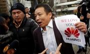 Người ủng hộ giám đốc Huawei kéo đến tòa ở Canada