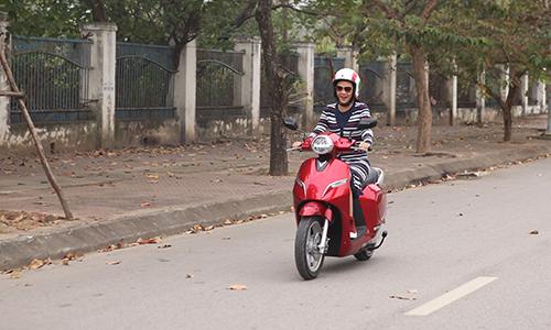 Xe máy điện VinFast Klara trong buổi chạy thử tại Hà Nội.