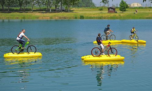 Bộ thiết bị giúp xe đạp chạy trên mặt nước