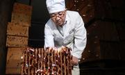 Đàn gián một tỷ con xử lý thức ăn thừa ở Trung Quốc