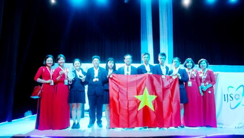 Đoàn học sinh Việt Nam tham dự kỳ thi Khoa học trẻ quốc tế IJSO 2018.