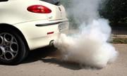 Vì sao trời lạnh ống xả ôtô bốc khói?