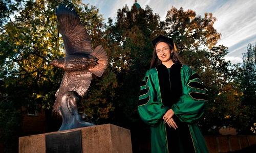 Noel Jett sẽ trở thành tiến sĩ trẻ nhất lịch sử Đại học Bắc Texas. Ảnh: UNT Photo