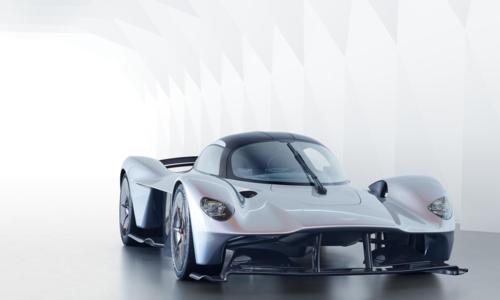 Ngoại hình lạ mắt của chiếc siêu xe Valkyrie khi so sánh với những sản phẩm của hãng Aston Martin.