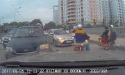 Tài xế Ãp Toyota Vios lùi trá»i chết vì chạy ngược chiá»u gây tranh cãi