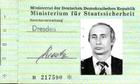 Đức tìm thấy thẻ điệp viên của Putin thời trẻ