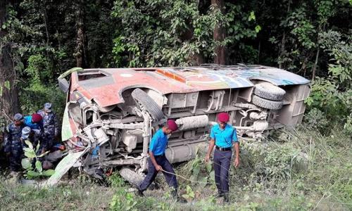 Một vụ tai nạn xe ở Nepal tháng 10 năm ngoái. Ảnh: Himalayan Times.
