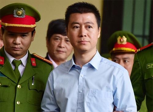 Phan Sào Nam trong ngày bị TAND tỉnh Phú Thọ tuyên án. Ảnh: Giang Huy.