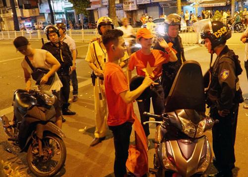 Hàng trăm trường hợp đi 'bão' quá khích ở Sài Gòn bị xử lý