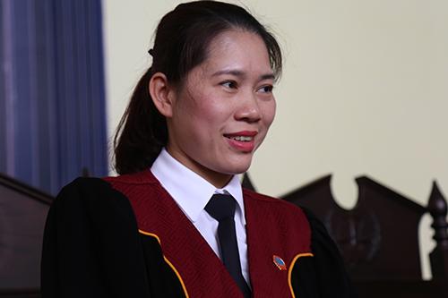 Chủ tọa Nguyễn Thị Thùy Hương. Ảnh: Phạm Dự