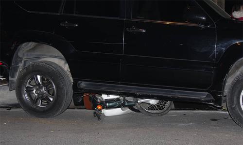 Ôtô đâm liên hoàn ở Hà Nội, 7 xe máy nằm ngổn ngang