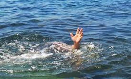 Bé trai ba tuổi bị đuối nước trong giờ học