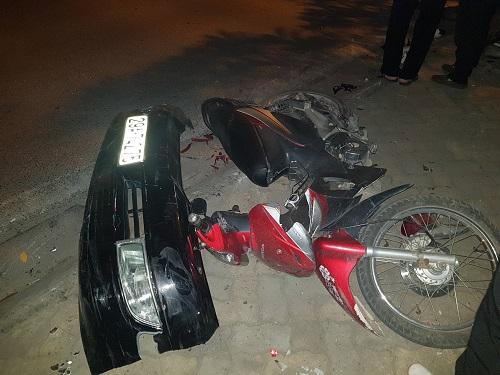Xe ôtô gây tai nạn liên hoàn trên phố ở Hà Nội. Ảnh: Gia Chính