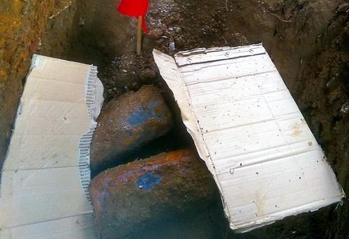 Số đạn pháo được phát hiện giữa trung tâm TP Bảo Lộc. Ảnh: Hoài Thanh