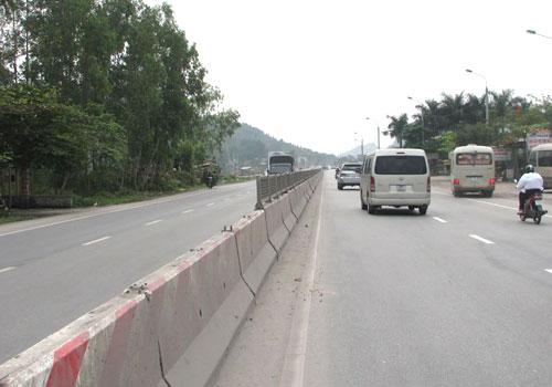 Quốc lộ 18 sau khi được nâng cấp. Ảnh:Minh Cương.