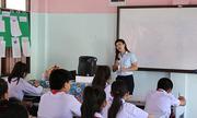 Lớp học chữ Việt trên đất Lào