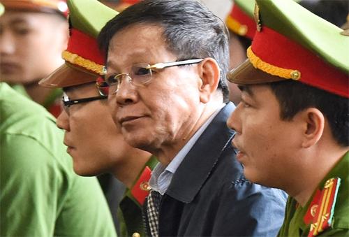Bị cáo Phan Văn Vĩnh tại phiên tòa sơ thẩm. Ảnh: Giang Huy