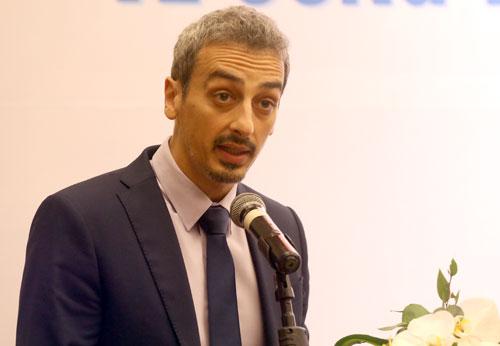 ông Francesco Checchi, Cố vấn Khu vực về Phòng chống Tham nhũng Đông Nam Á - Thái Bình Dương phát biểu tại toạ đàm.Ảnh: Bá Đô