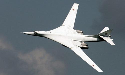 Máy bay ném bom chiến lược siêu thanhTu-160 của Nga. Ảnh: Sputnik.