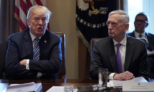 Bộ trưởng Mattis (phải) trong cuộc họp với Trump đầu năm 2018. Ảnh: AFP.