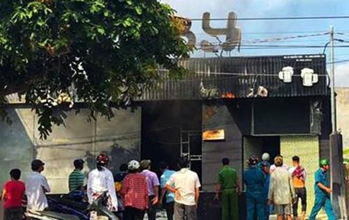 Nhà hàng xảy ra vụ cháy. Ảnh: Hoàng Anh.