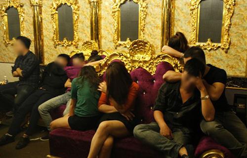 Một số thanh niên trong tiệc ma túy. Ảnh: C.A