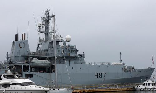 Tàu thăm dò HMS Echo cập cảng Odessa hôm 22/12. Ảnh: Reuters.