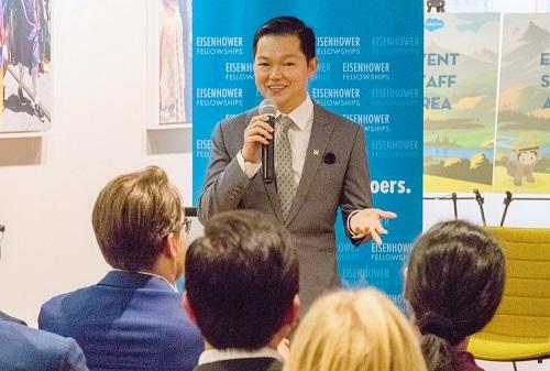 TS Nguyễn Chí Hiếu có phần chia sẻ trong một buổi tọa đàm thuộckhuôn khổ chương trình Eisenhower Fellowships diễn ra tại Mỹ. Ảnh: NVCC