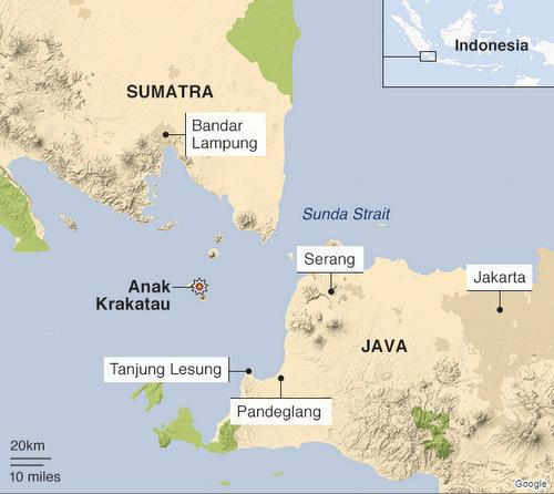 Vị trí núi lửa Anak Krakatau và những vùng bị ảnh hưởng bởi sóng thần hôm 22/12. Đồ họa: BBC.