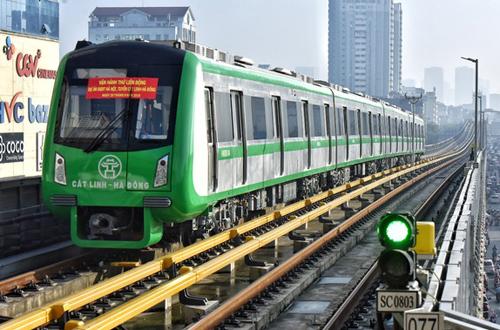 Tuyến đường sắt Cát Linh - Hà Đông đang trong giai đoạnchạy thử. Ảnh: Giang Huy