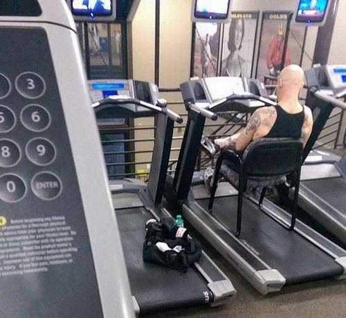 Khi sâu lười đến phòng tập gym.
