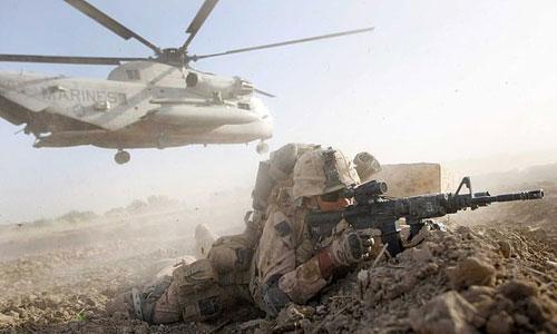 Một binh sĩ thủy quân lục chiến Mỹ được triển khai ở Afghanistan. Ảnh: AFP.