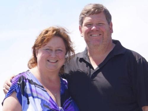 Cuộc nói chuyện giữa James Stephens và vợ bị người sếp nghe được.