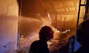 400 người dập đám cháy tại công ty sản xuất hộp xốp ở Cần Thơ