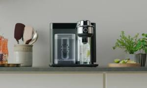 Máy pha chế tự động cho ra ly cocktail trong 10 giây