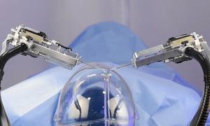 Robot tí hon phẫu thuật mắt