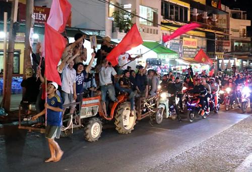 ... đều có niềm vui chung khi Việt Nam chiến thắng.