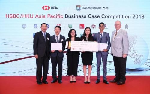 Nhóm 4 sinh viên RMIT lần đầu mang giải nhì cuộc thi giải quyết tình huống kinh doanh HSBC/HKU châu Á Thái Bình Dương về cho Việt Nam.