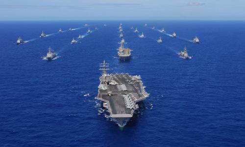 Hải quân Mỹ phô diễn sức mạnh trong một cuộc tập trận năm 2010. Ảnh: US Navy.